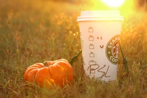 Look at how pretty this PSL is! Now I'm going to DRINK IT!